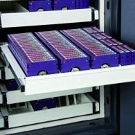Ausziehbare Schublade für Datenträger